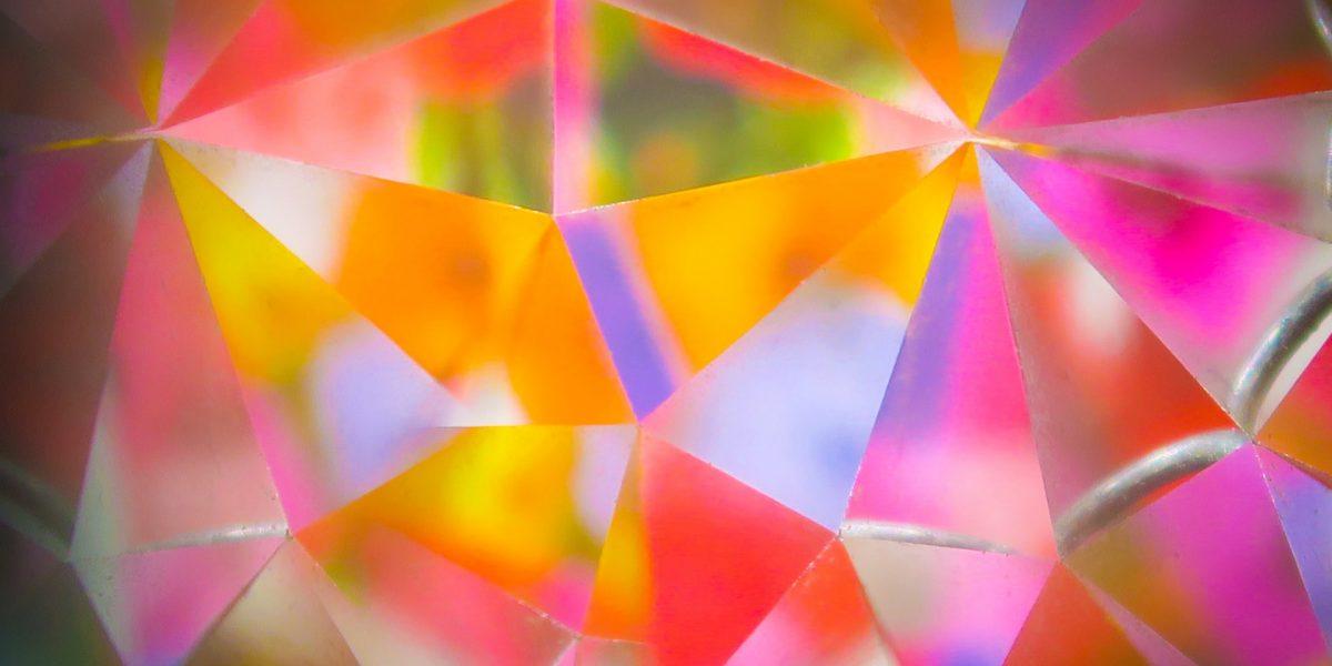 Farger reflektert i glass